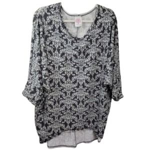 Freeloader Gray Batwing Geometric Tee Top Size L